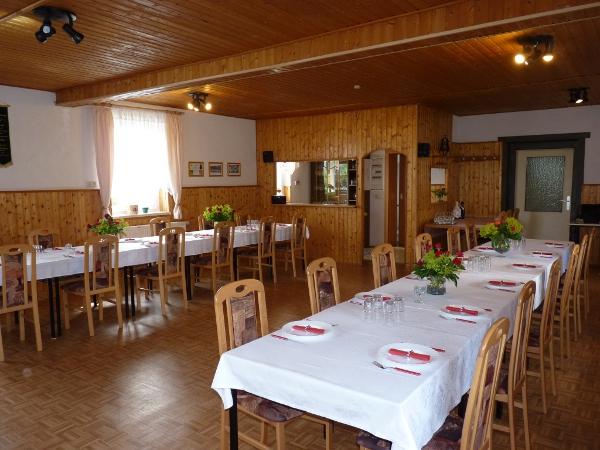 Veranstaltungsraum, Partyraum f�r Familienfeier Bernsbach